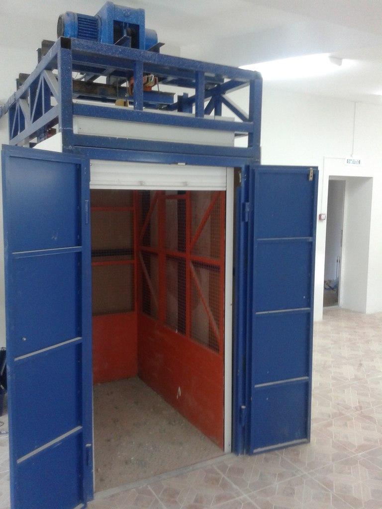 грузовой подъемник, лифт