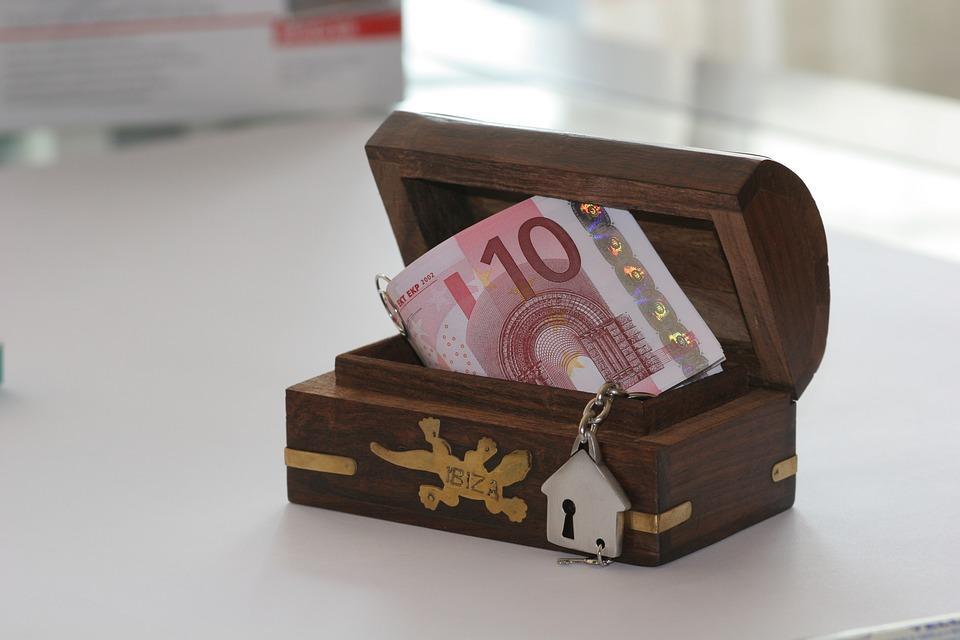 large.finance-1908842_960_720.jpg.1b1081